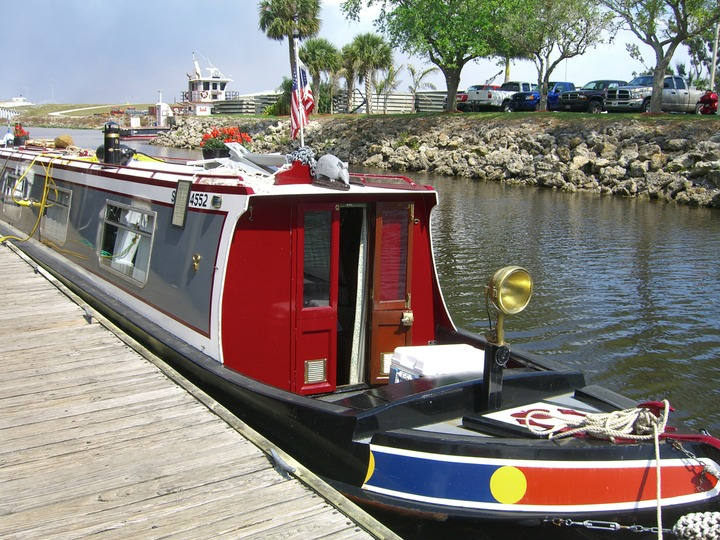 30 English Canal Narrowboat at Clewiston