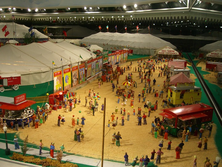 67 The world's largest model circus